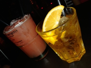 Crodino y analcoholic cocktail.