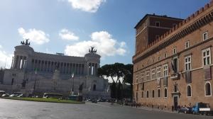 Piazza Venezia al mediodía
