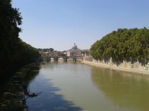Vistas del río desde el puente de Sant´Angelo.