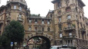 Arco de entrada a Copppedè.