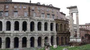 Teatro Marcelo (17 a.C)