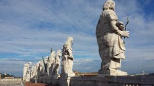 Los doce apóstoles del Vaticano.