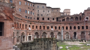 Los mercados de Trajano de día.