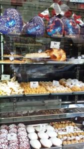 Foto tomada en la pastelería Regoli, Via dello Statuto 60, cerca de Santa María la Mayor.
