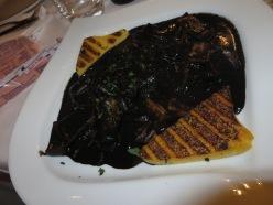 02 sepia negra con polenta